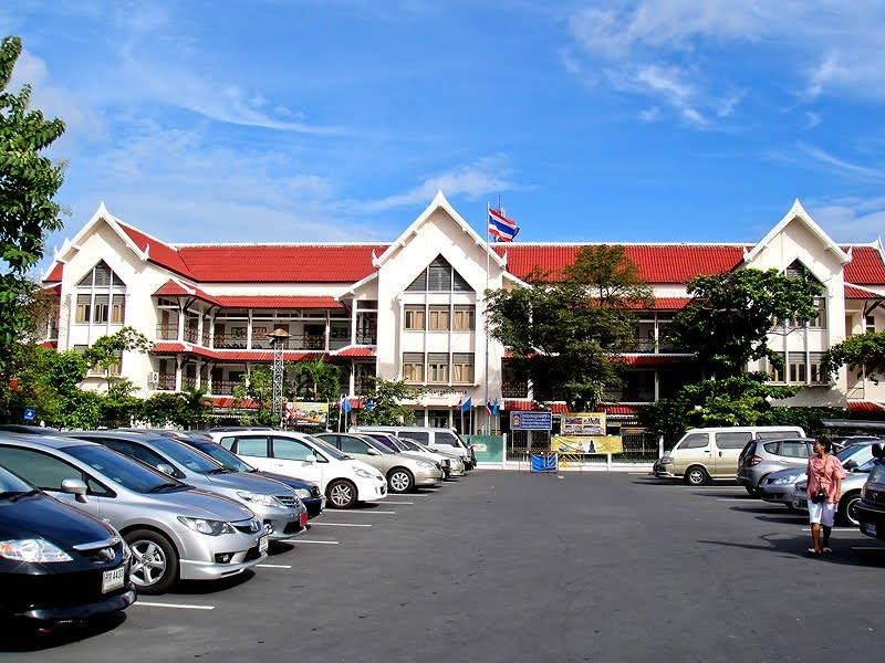 Wat Makut School 2